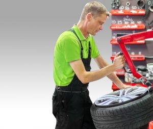 Reifenservice und Reifenwechsel mit Einlagerung der Sommerreifen und Winterreifen in Guhrow
